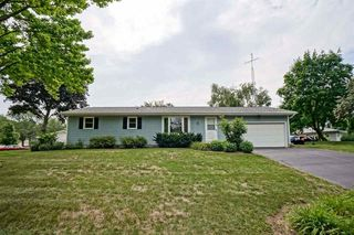 200 Maple Dr, Waterloo, WI 53594