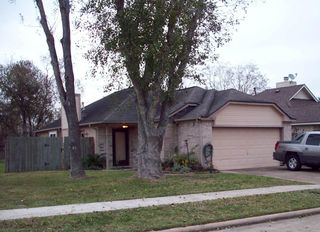 1211 Chelsea Ln, Pearland, TX 77581