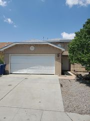 9315 Starboard Rd NW, Albuquerque, NM 87121