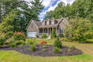 10 Long Cove Dr, Old Orchard Beach, ME 04064