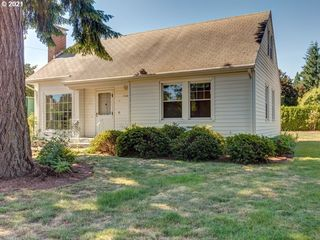 11282 SE Pine Ct, Portland, OR 97216