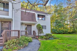 48 Spice Hill Dr #48, Wallingford, CT 06492