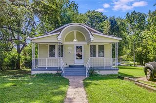 703 E Albert Ave, Independence, MO 64055