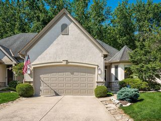 1989 Marblecliff Crossing Ct, Columbus, OH 43204