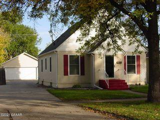 1323 Walnut St, Grand Forks, ND 58201