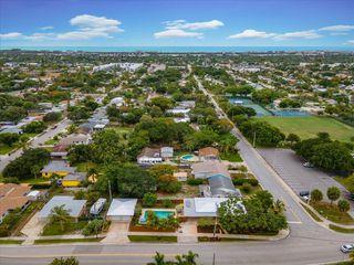 1502 N A St, Lake Worth, FL 33460