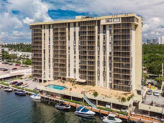 2500 NE 135th St #B504, Miami, FL 33181