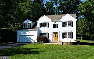 1262 Knollwood Dr, West Chester, PA 19380