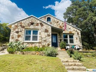 608 Callan St, Menard, TX 76859