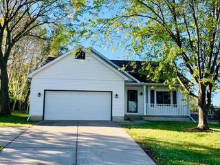 5309 Park Meadow Dr, Madison, WI 53704