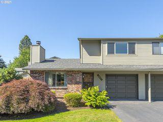 16621 NE Halsey St, Portland, OR 97230