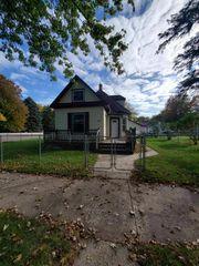 42 Maple St N, Lester Prairie, MN 55354