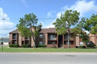904 University Oaks Blvd, College Station, TX 77840