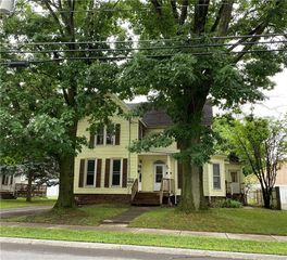 81 W Albion St, Holley, NY 14470