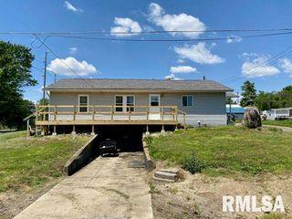 151 E Clinton St, Rushville, IL 62681