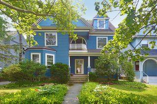 340 Lake Ave #1, Newton, MA 02461