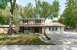 5915 Countess Dr, Fort Wayne, IN 46815