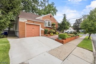 617 W Meadow Ave, Rahway, NJ 07065