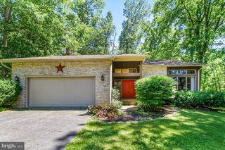 325 Oakwood Rd, New Freedom, PA 17349