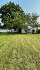 23 Euclid Blvd, Youngstown, OH 44505