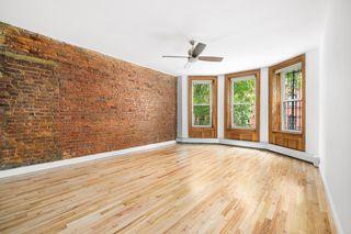155 Lafayette Ave #2C, Brooklyn, NY 11238
