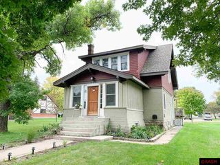 517 3rd St, Gaylord, MN 55334