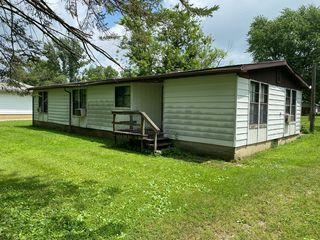 203 N Thompson St, Melvin, IL 60952