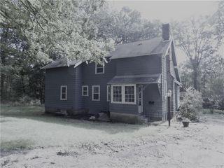 2 Edgemont Rd, Lansford, PA 18232