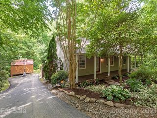 36 Woodland Dr, Fairview, NC 28730