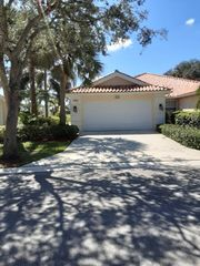 2154 Blue Springs Rd, Royal palm beach, FL 33411