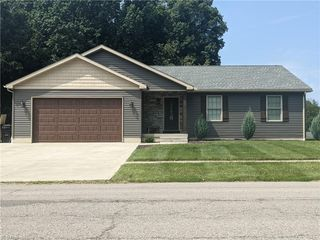 78 W Southern Ave, Columbiana, OH 44408