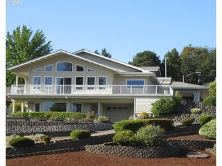 632 W D St, Springfield, OR 97477