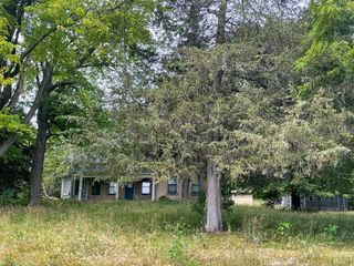 7447 Forest View Rd, West Bend, WI 53090
