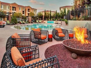 1651 American Pacific Dr, Henderson, NV 89074