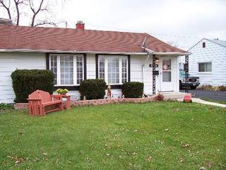 8772 S Corcoran Rd, Hometown, IL 60456