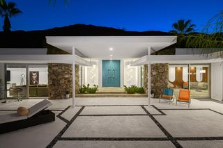 445 S Monte Vista Dr, Palm Springs, CA 92262