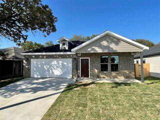4725 Chapman St, Fort Worth, TX 76105