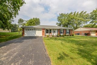 7479 Mad River Rd, Dayton, OH 45459