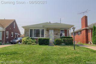 17066 Stricker Ave, Eastpointe, MI 48021