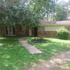 111 Red Wood Ln, Warren, TX 77664