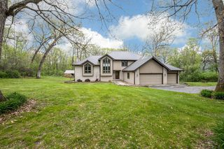 2976 W Forest Rd, Freeport, IL 61032
