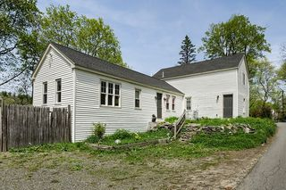 9 Waushacum Ave, Sterling, MA 01564