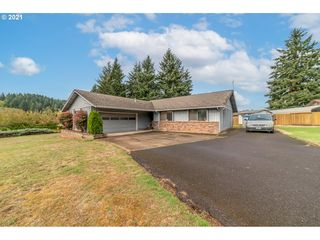 32333 Green Acres Loop, Cottage Grove, OR 97424