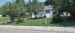 645 S 5th St, Hot Springs, SD 57747