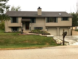 218 Tyler Creek St, Gilberts, IL 60136