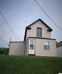 2423 Cedar St, Quincy, IL 62301