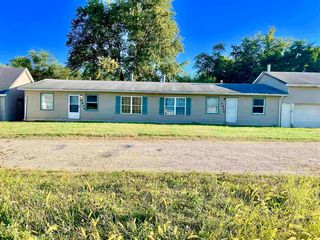 9846 Redwood Rd, Plymouth, IN 46563
