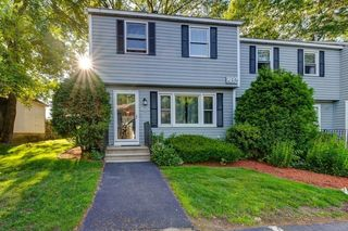 802 Lawrence St #A, Lowell, MA 01852