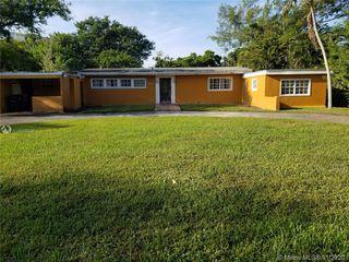 12500 NE Alamanda Dr, Miami, FL 33181