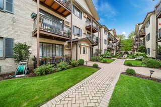 5139 N East River Rd #267, Chicago, IL 60656